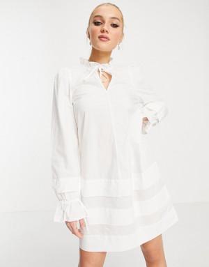 Белое платье мини с присборенной юбкой изавязкой Monki Rosanna-Белый